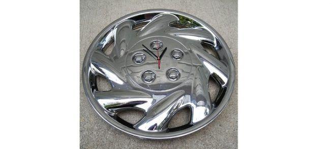 Reloj con rin de coche