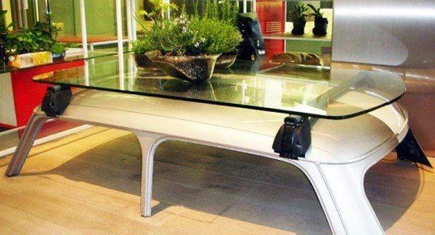 Techo de coche como base para mesa