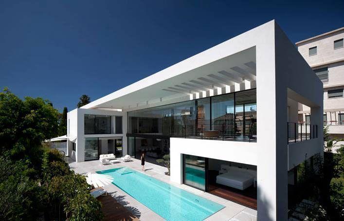 Construcciones nuevas: Casa minimalista