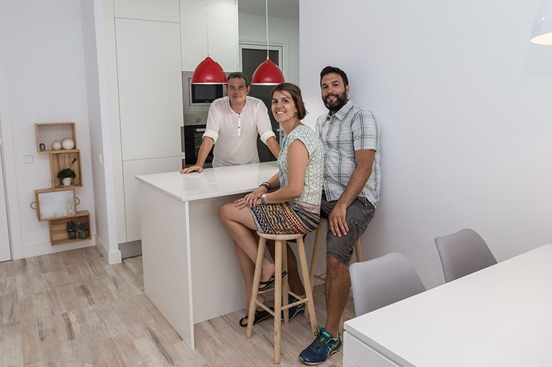 Reforma integral de un piso para cuatro, calle Huelva (Barcelona)