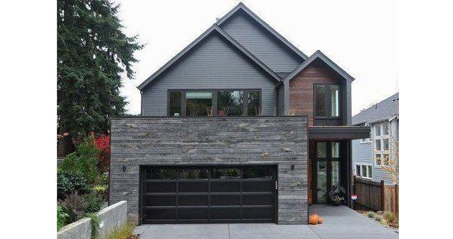 Casa pintada en gris sobre gris