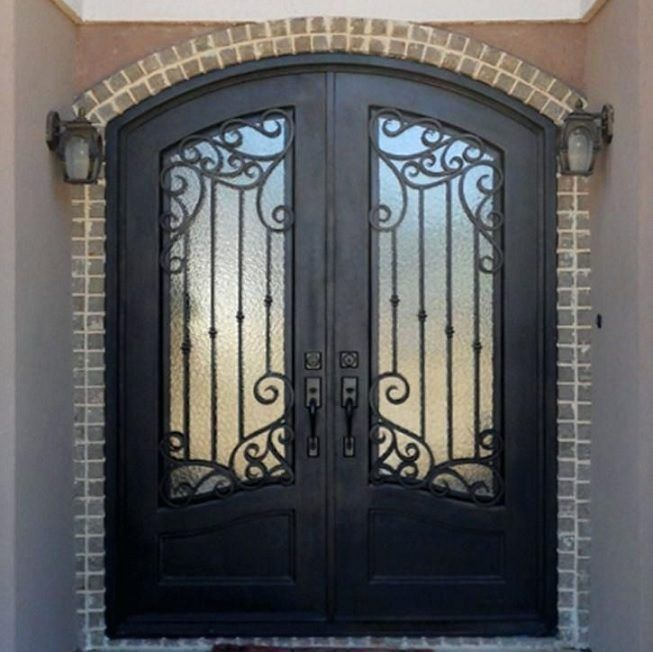 Puerta forjada