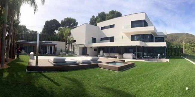 Casa de Leo Messi por fuera