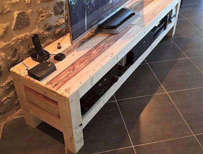 Mesa de TV hecha con palets