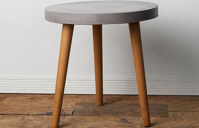Centro de mesa en madera y cemento