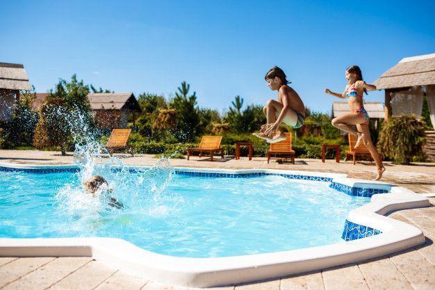 Tipos de piscinas: según el material